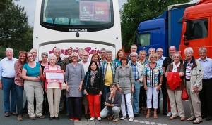 Bürgerinnen und Bürger aus Niederberg und Ratingen vor ihrer Rückreise vom Deutschlandfest.