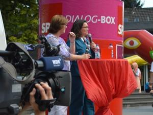 WDR Westpol filmt das Bürgergespräch.