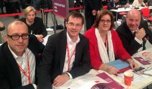 Die Parteitagsdelegierten aus dem Kreis Mettmann, Apostolos Tsalastras, Holger Lachmann  und Kerstin Griese sowie Kreisgeschäftsführer Peter Zwilling.