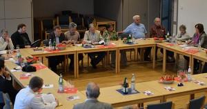 Der Gesprächskreis im Jacobussaal.