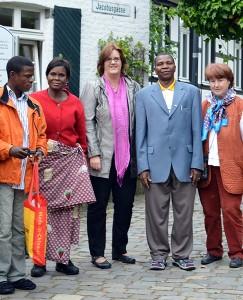 Petrus Ngondji, Béâtrice Ntalanga, Kerstin Griese MdB, Victor Lokongo und Rosel Schroeder
