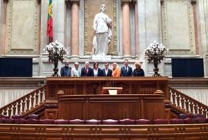Mit dem Sozialausschussvorsitzenden José Canavarro im portugiesischen Parlament.