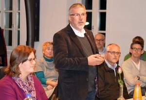 Kerstin Griese MdB und Pfarrer Peter Jansen  begrüßen den Gesprächskreis Kirche und Politik.