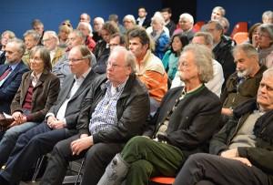 Jean Pütz und viele andere Bürgerinnen und Bürger aus Heiligenhaus und Umgebung beteiligen sich an der Diskussion.