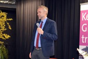 Der stellvertretende Landrat Manfred Krick MdL begrüßt die Gäste im Club.
