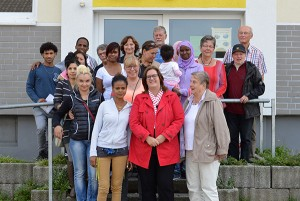 Bewohnerinnen und Bewohner sowie Ehrenamtliche der Unterkunft Talstraße.