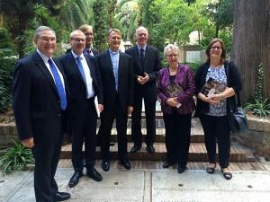 Die Delegation gemeinsam mit Annette Schavan auf dem Campo Santo Teutonico.