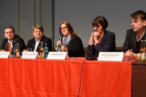 Podiumsdiskussion: Erik Lierenfeld, Ulrich von Alemann, Kerstin Griese, Birgit Alkenings, Oliver Zeisberger.