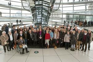 Gruppenbild unter der Reichtagskuppel. (Foto: