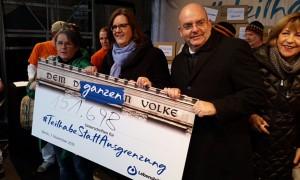 Die Lebenshilfe-Vorsitzende und Bundestagsvizepräsidentin übergibt mehr als 150.000 Unterschriften.