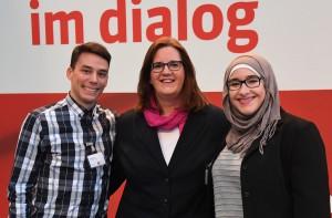 Kerstin Griese mit Ilias El Ghanou und Sarae El Ghanou aus Velbert.