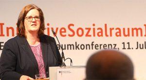 Kerstin Griese am Redepult (Foto: BMAS)