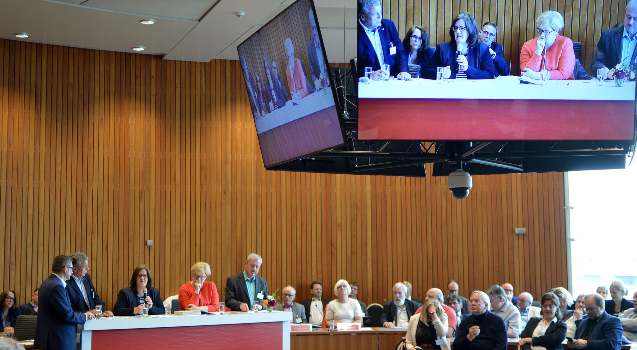 Diskussion im Sitzungssaal der SPD-Fraktion NRW