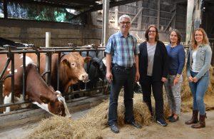 Die Rinder vom Gut Hixholz, Michael Greshake, Kerstin Griese, Claudia und Carolin Greshake