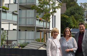 Elisabeth Müller-Witt MdL, Kerstin Griese MdB und WoGeRa-Geschäftsführer Volkmar Schnutenhaus