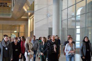 Auf dem Weg zur Tagung im Reichstagsgebäude: 46 haupt- und ehrenamtliche Fachleute