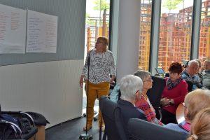 Christel Blanke berichtet von den Arbeitsgruppen-Beiträgen